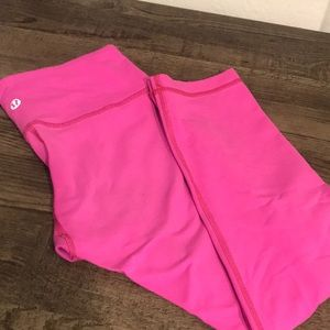 Lululemon hot pink Wunder Under Crop 4 6